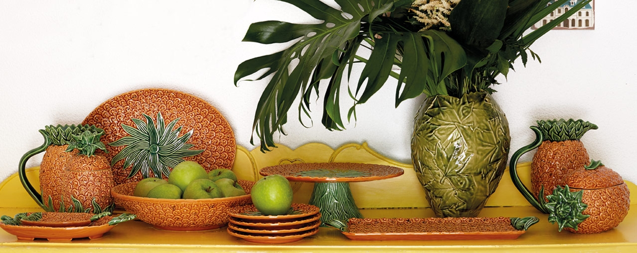 Enjoy even more of your summer with the tropical freshness of this delightful collection.