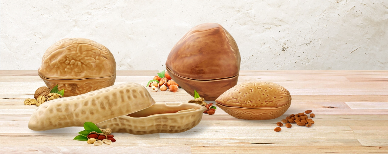 So practical as decorative, the dried fruit boxes allow you to keep food or small objects always with good humor.
