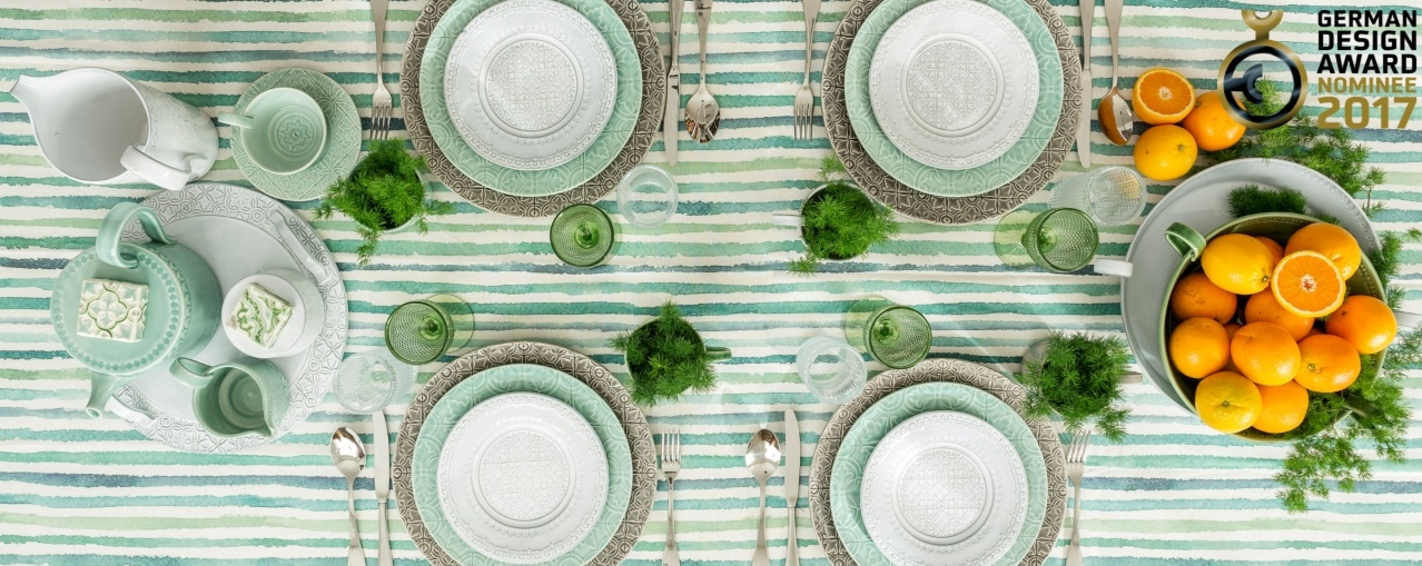 Inspired in the universe of Portuguese tiles, and available in 4 different colors that allow mix & match for unlimited combinations, this collection promises to make you feel in Portugal at every single meal.